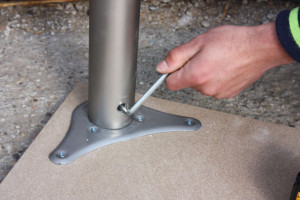 stolova-noha-zaistenie